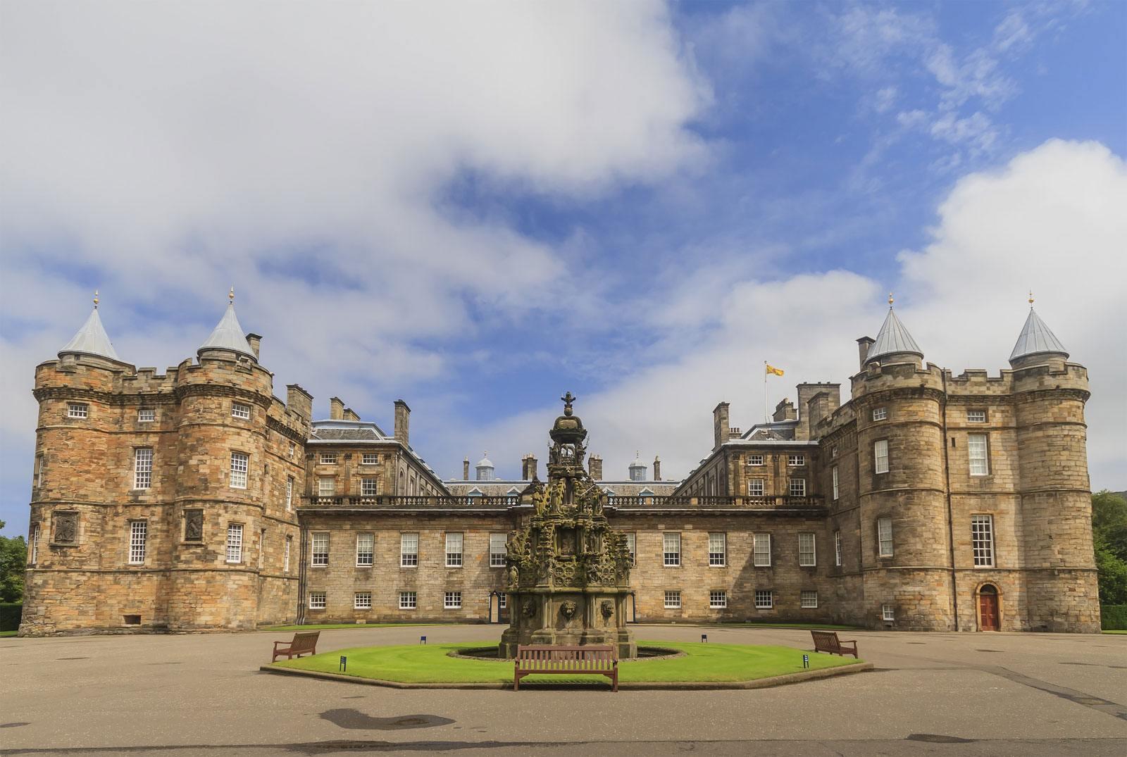 zámek Holyrood-Edinburgh
