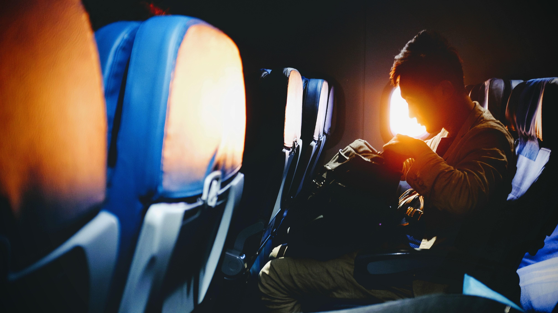 malé příruční zavazadlo do kabiny letadla
