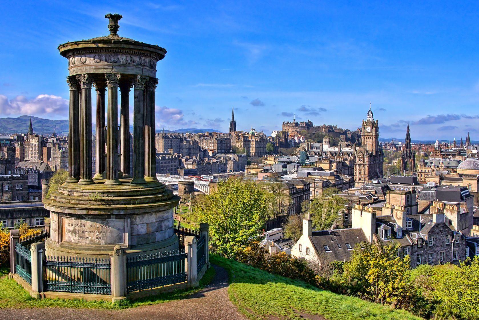 Výhled na Edinburgh
