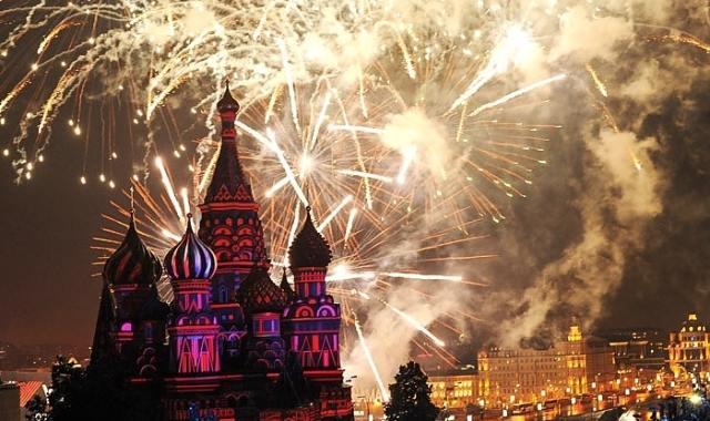 ohňostroj na nový rok v Rusku