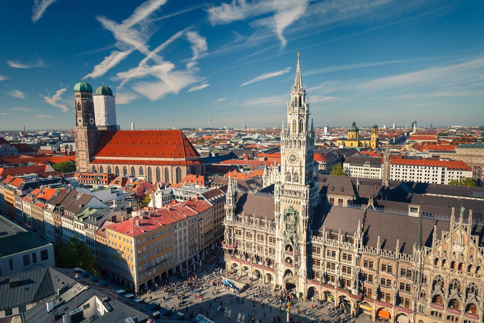 pohled na náměstí v Mnichově