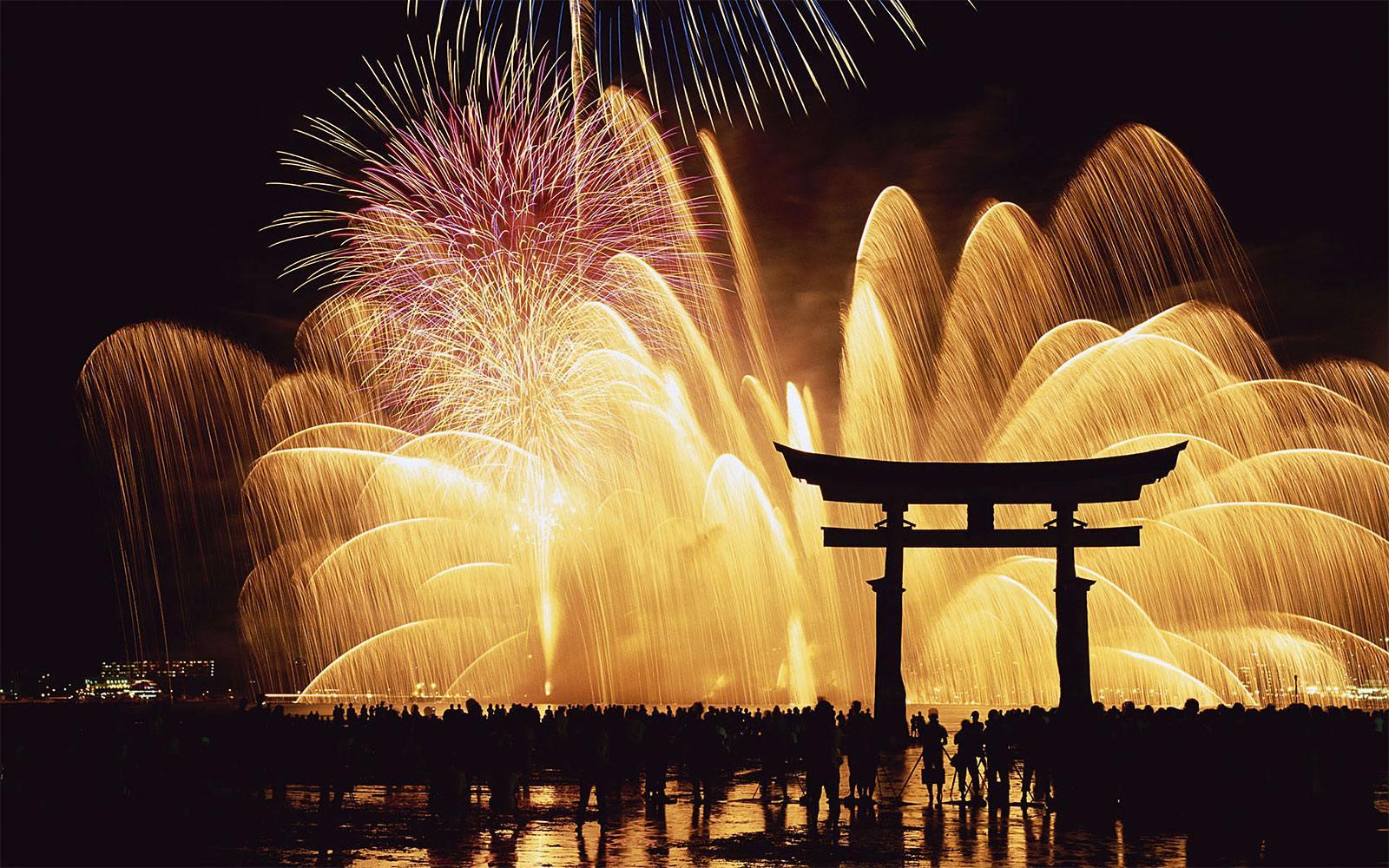 ohňostroj na nový rok v Japonsku