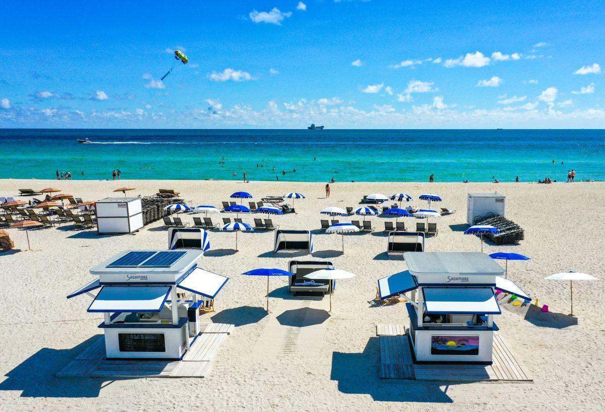 písčitá pláž v Miami