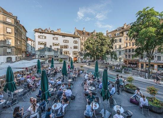 Place du Bourg v Ženevě